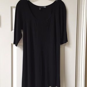 Eileen Fisher Like New Long Top with front pleats